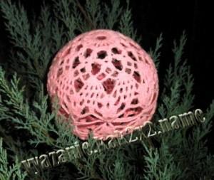 Новогодний шарик крючеом